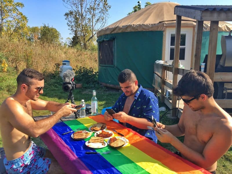 Gay brunch outside idea